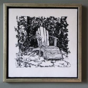 WhiteThingsDeckChair2
